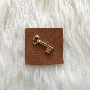 '80s / Volunteer Key Pin